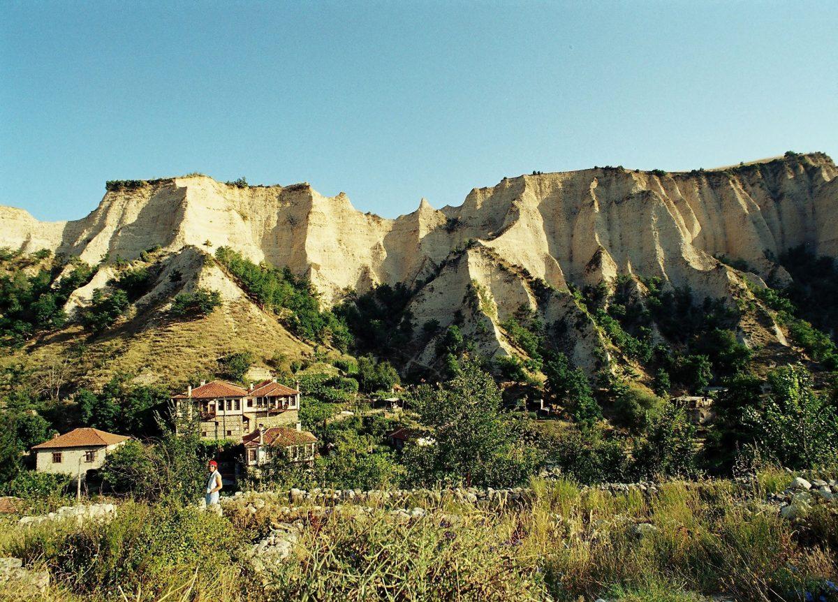 Melnik-Myseum-Village-Pyramids