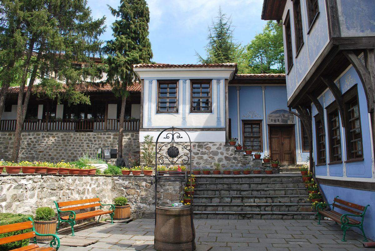 Old-Plovdiv-Hindlyan's-House