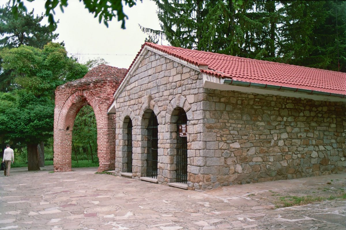 Thracian-Tomb-Kazanlak-UNESCO