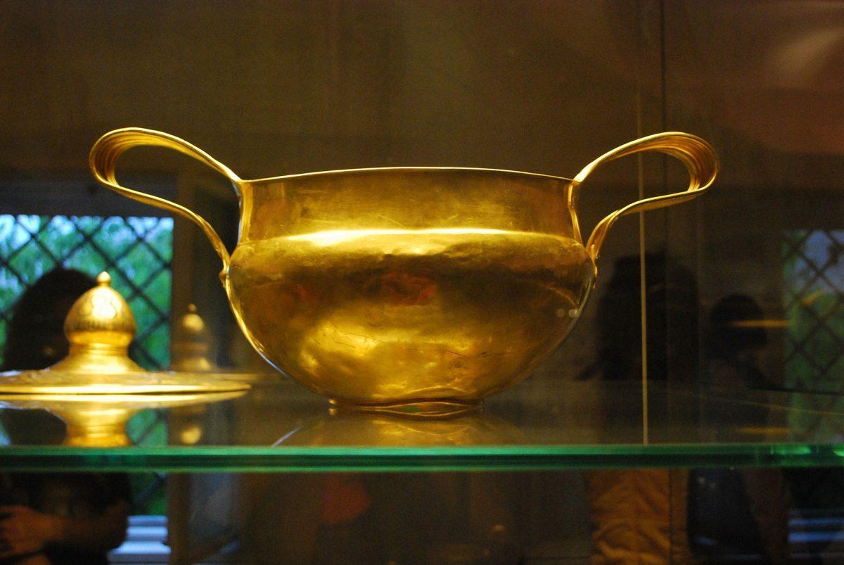 Valchitran's-Gold-XIV-XIII-century-BC